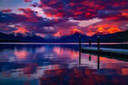 Lago con un pontile