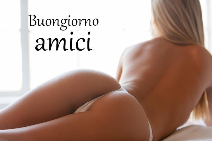 Una ragazza sexy vista di schiena - Immagini sexy per il buongiorno, buon compleanno, buonanotte e buona domenica