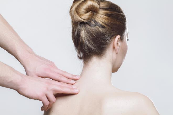 Massaggio cervicale per sintomi stress