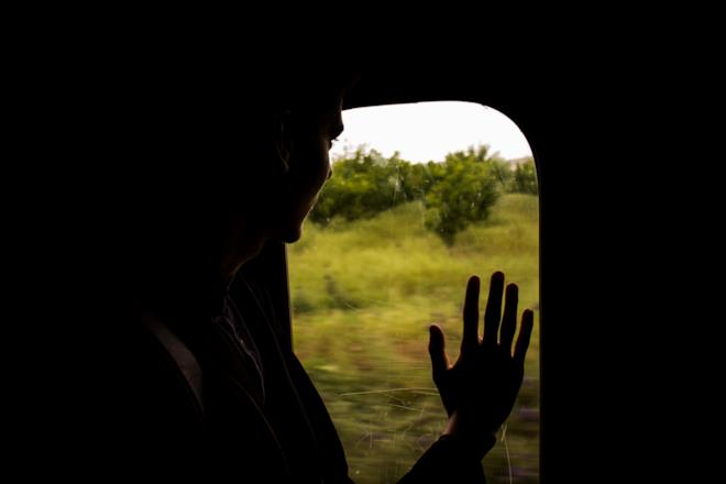 Persona che dice addio