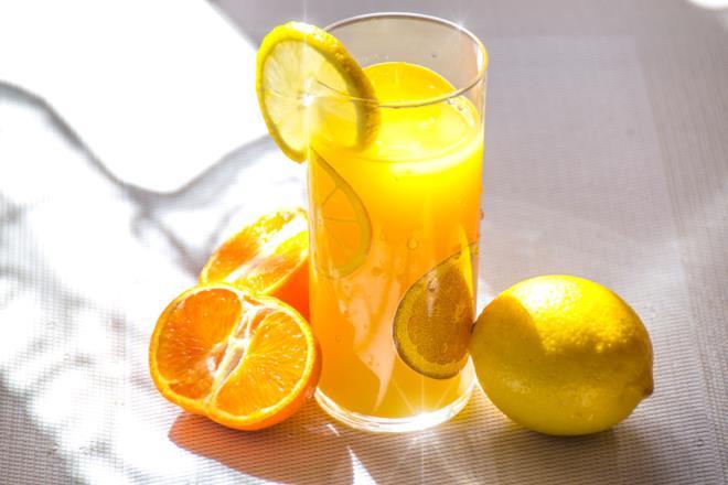 Acqua e limone per digerire