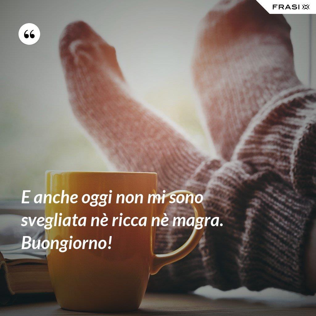 Buongiorno invernale divertente con caffè