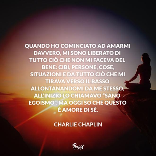 Immagine con citazione chaplin in frasi su accettare se stessi