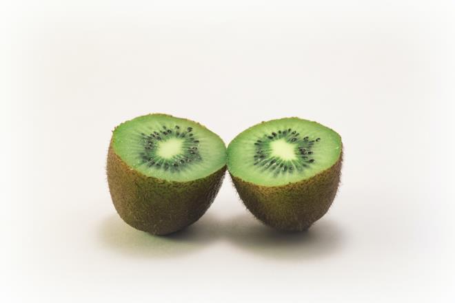Kiwi contiene vitamina c