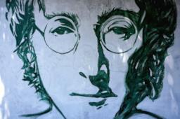 Una selezione di frasi belle e indimenticabili di John Lennon