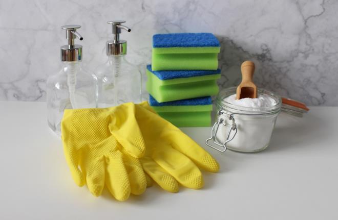 Bicarbonato di sodio guanti e spugne per disinfettare