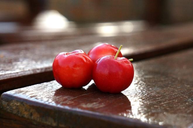 Acerola frutta con più vitamina C