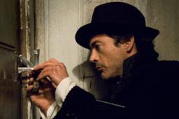 Robert Downey Jr. alias Sherlock Holmes nel film del 2009