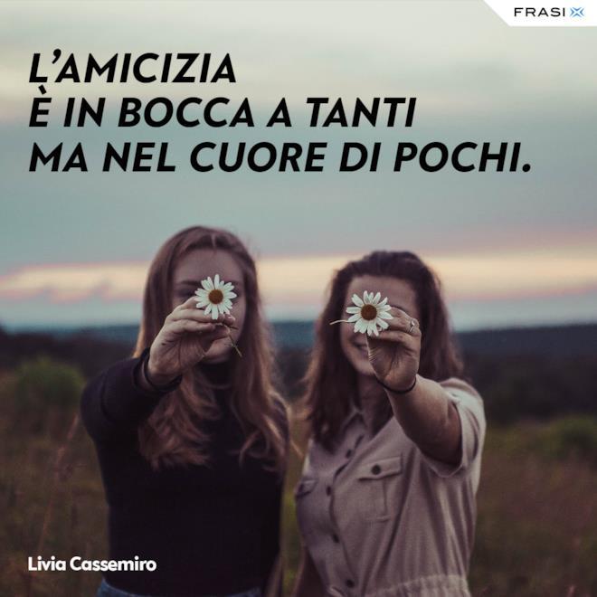 Stati Whatsapp amicizia Livia Cassemiro