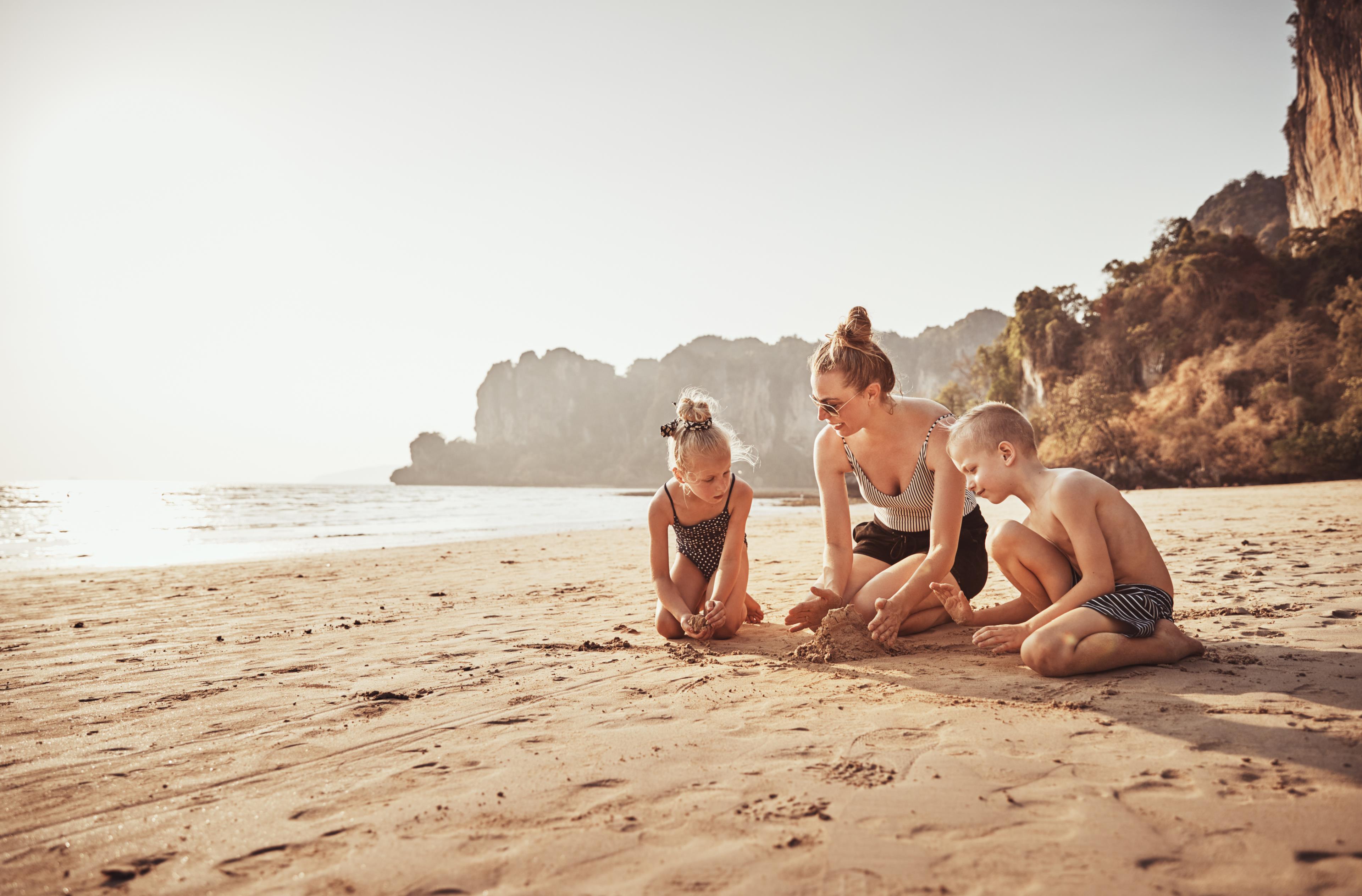 Giochi da fare sulla spiaggia con i bambini