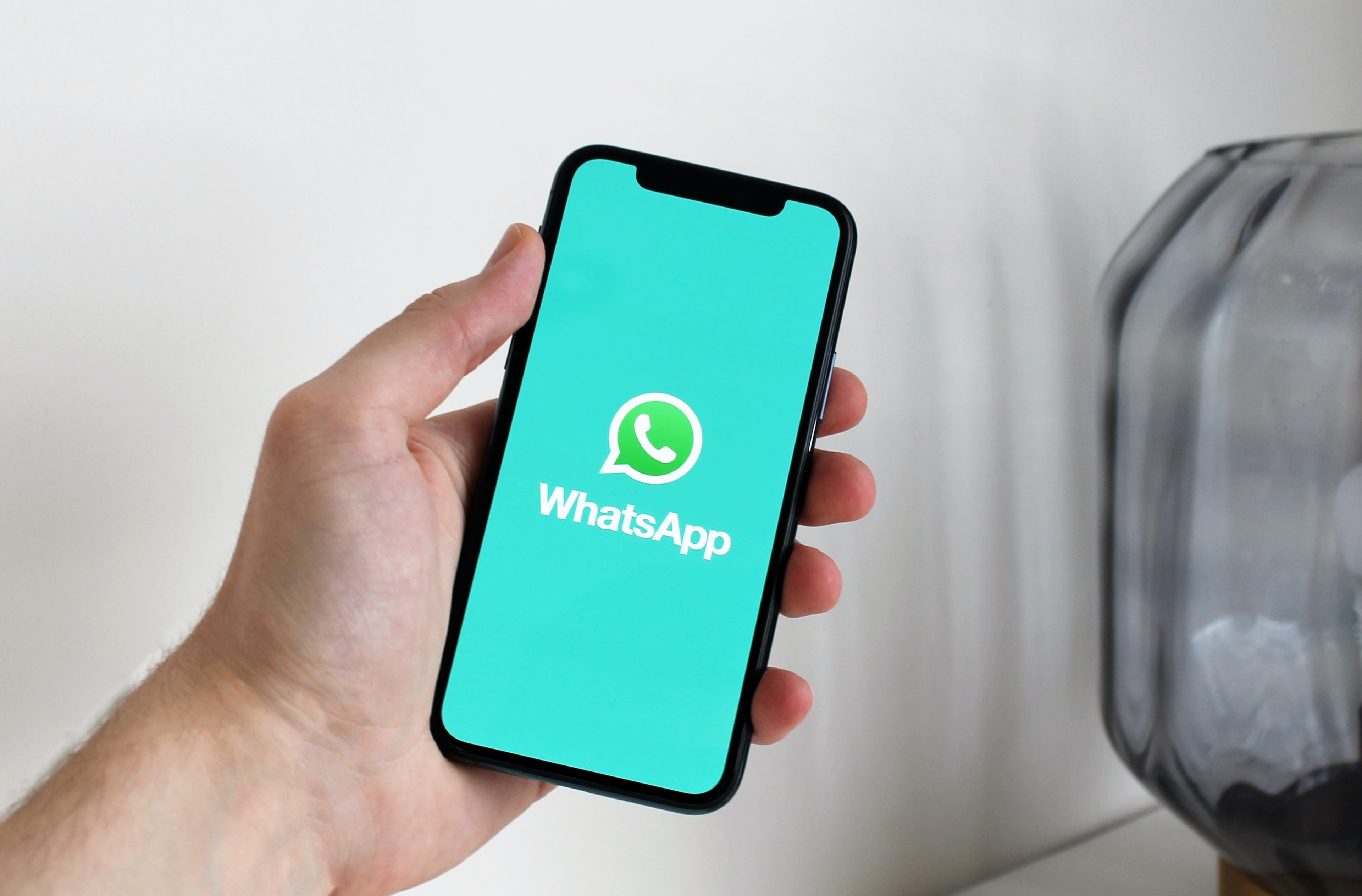 Copertina stati WhatsApp originali