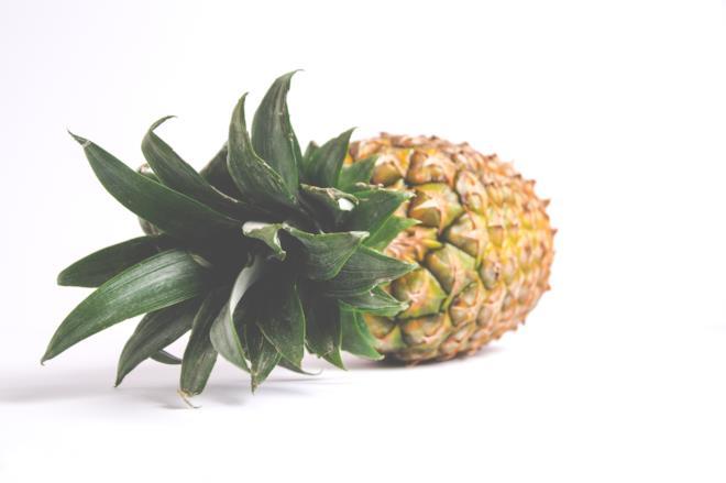 Ananas frutta che contiene vitamina c