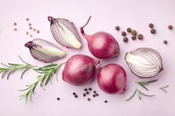 Come cucinare in modo sano e leggero la cipolla
