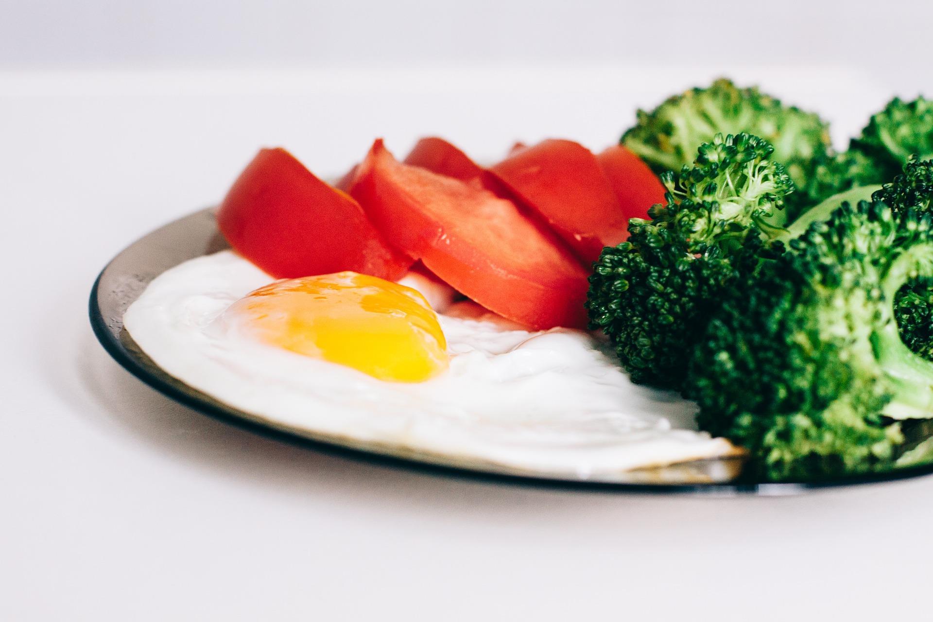 Piatto con uova e verdura per Dieta Dukan