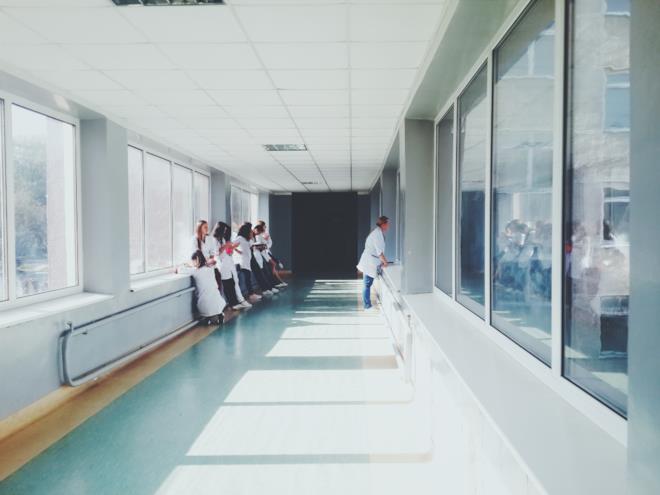 Copertina frasi infermieri e medici