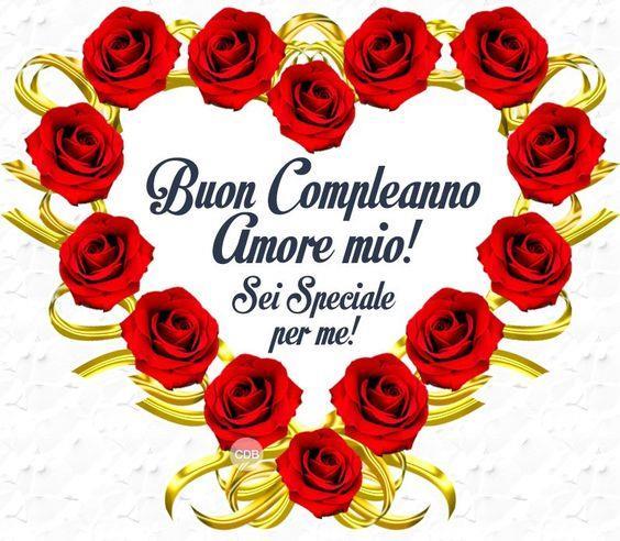 Un cuore fatto con fiori di rosa - Immagini di buon compleanno, le più simpatiche da scaricare gratis