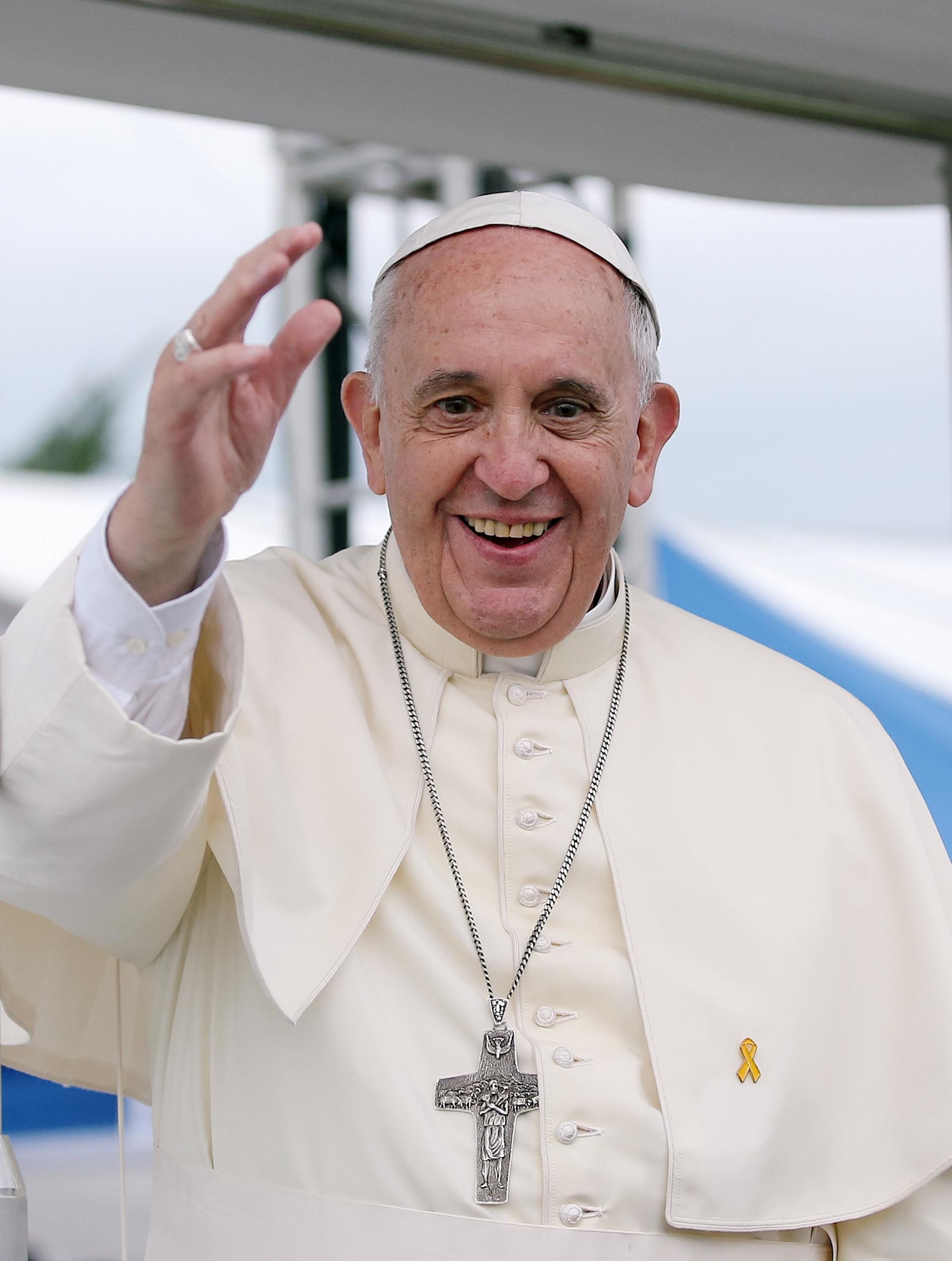 Immagine con frasi sui migranti di Papa Francesco
