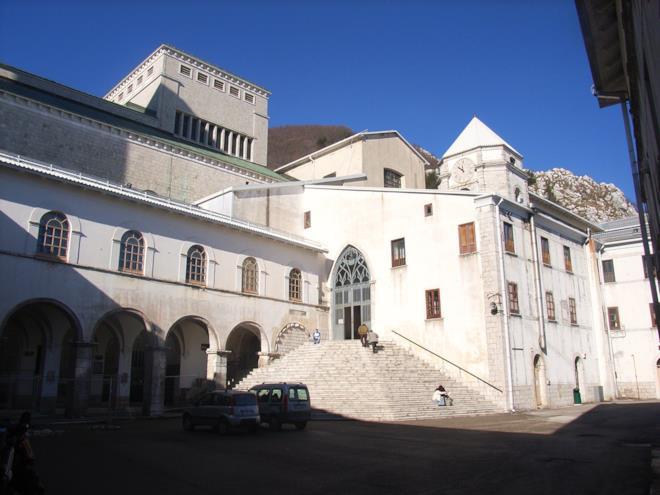 Interno del Santuario di Montevergine
